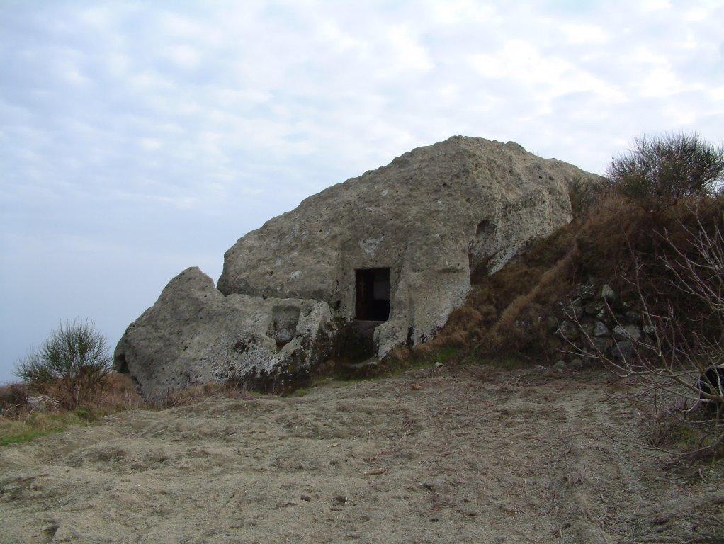 Visit ischia pietra dell 39 acqua for Case di pietra davanti